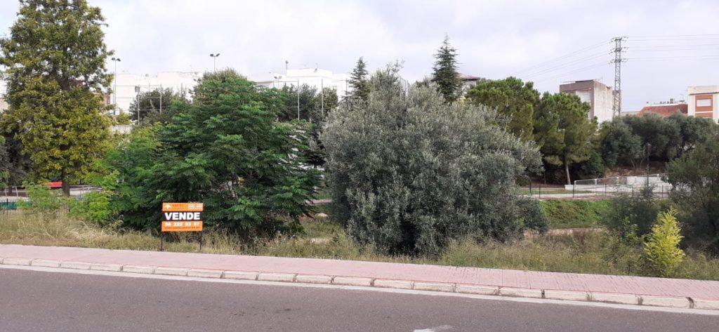 Terreno en venta en Enguera 975 m2. Ref. 1147